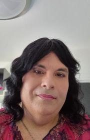 Junge Transsexuelle Frau sucht