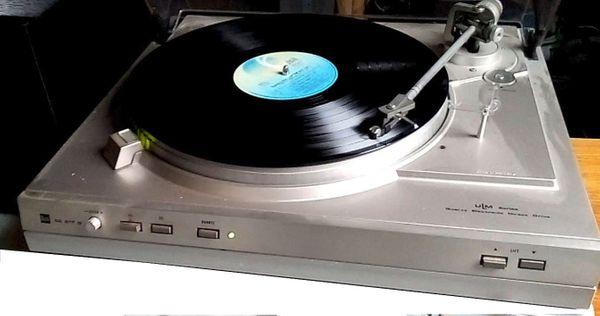 DUAL Schallplattenspieler CS 617 Q, ca. 1982