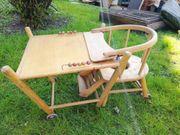 Kindersitz aus Holz mit Rollen