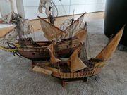Schiffmodelle Mayflower und Santa Maria