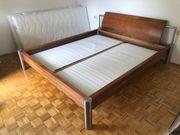Bett Tischler gefertigt