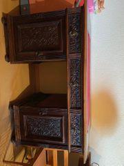 Antiker Schreibtisch mit reichem Schnitzwerk