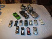 14 Modellautos 1 Motorradmodell