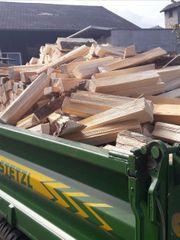 Trockenes Brennholz zu Verkaufen