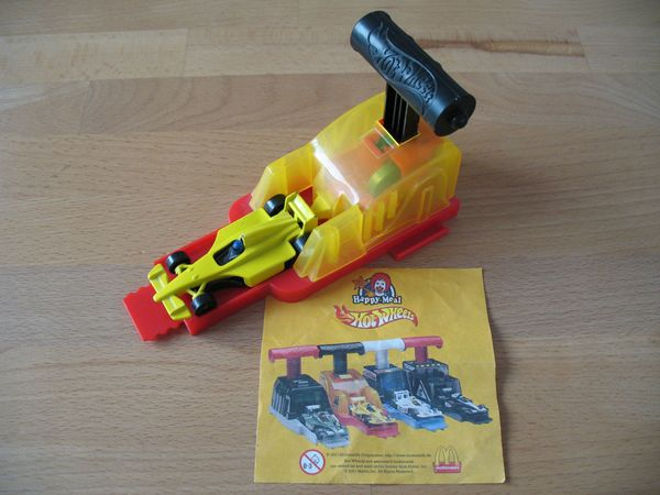 Hot Wheels Spielzeugauto Rennwagen gelb