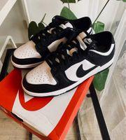 Nike Dunk Low Panda Black