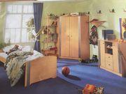 schickes Baby Kinder- und Jugendzimmer