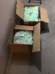 2 Kisten Füllmaterial für Packete