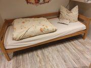 Bett Kinderbett mit Holzrahmen und