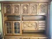 Hochwertiger Wohnzimmerschrank mit passenden Sideboards
