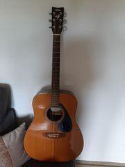 Yamaha F-330 Gitarre