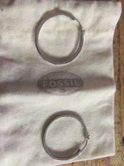 Ohrringe der Marke Fossil