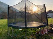 Trampolin 4m Durchmesser mit Abnützungserscheinungen
