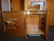 Pfaff 50 Nähmaschine im Schrank