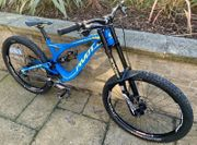 PIVOT PHEONIX DOWNHILL MOUNTAIN BIKE