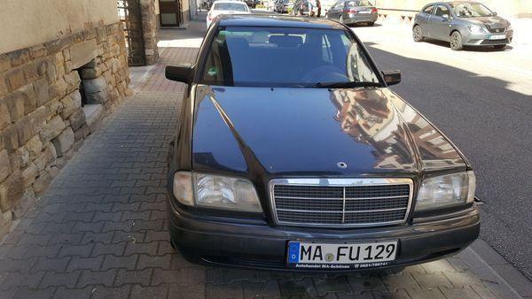 Verkaufe alten Mercedes Benz Schwarz