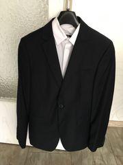 Vollständiger Anzug von C und
