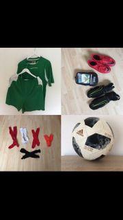 Fußball Ausrüstung Feldspieler Torwart