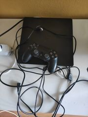 PS4 mit Controller