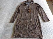 Longshirt Kapuzenshirt mit Bommeln Kleid