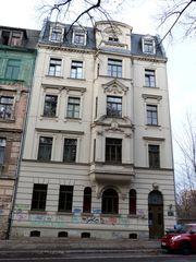 Freundliche vollständig renovierte 2-Zimmer-Hochparterre-Wohnung zur