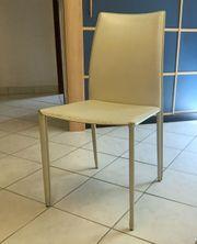 4 Esstisch-Stühle Leder zu verschenken