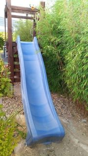 Wickey Spielturm mit Wellenrutsche