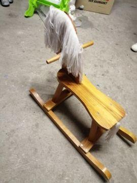 Holzspielzeug - Schaukelpferd