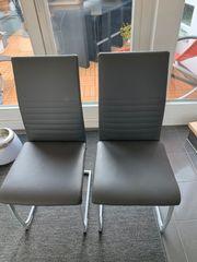 4 Esszimmerstühle in Grau und