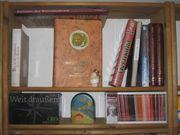 Bücherregale aus Massivholz variabel für