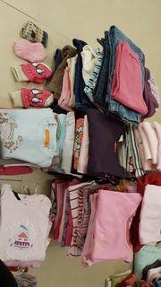 Kleiderpaket über 100 Teile Babykleidung