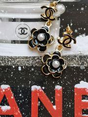 CC Kamelien-Perlen-Ohrringe