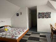Schöne 1 Zimmer Dachwohnung in