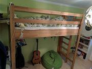 maßgefertigtes Hochbett aus Massivholz Buche