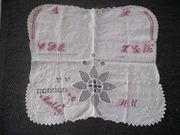 Stickmuster-Deckchen rot-weiß