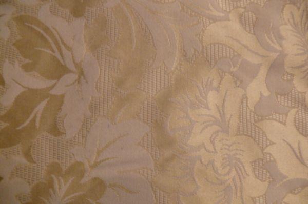 50 Mitteldecken gelb Blumen Decken
