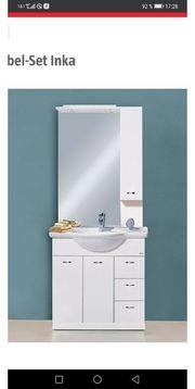 Waschplatz weiß glänzend mit Beleuchtung