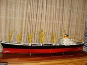 Schnellfrachter MS Bavaria -Hapag Vitrinen-Museumsmodell