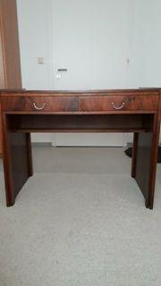 Alter Schreibtisch von 1954