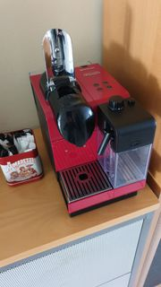 Nespresso Maschine DeLonghi