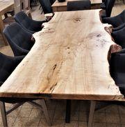EINZIGARTIG - Esszimmertisch aus Pappelholz -