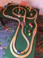 Holzeisenbahn Spieletisch IKEA Eichhorn Holzspielzeug