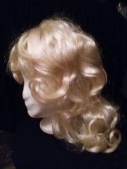 Professionelle blonde Damen-Perücke