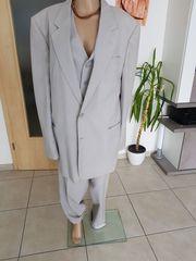 Anzug bestehend aus Hose Weste