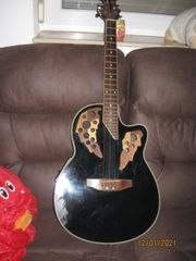 Gitarre im Ovation-Stil mit TA