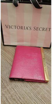Victorias Secret Passport Hülle
