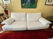 2 schöne Sofas