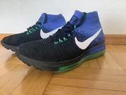 Sportschuh Nike Jungen Größe 38