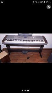 Yamaha DGX-640W E-Piano Walnuss mit