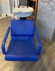 Friseur Stühle und Waschplatz mit